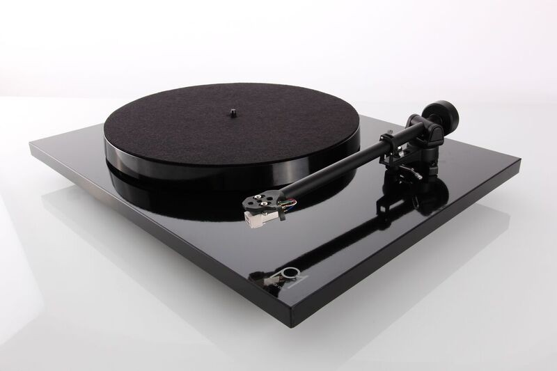 Rega P1 Plus Turntable NEW